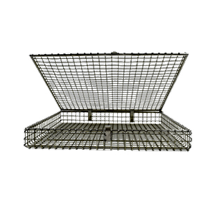 wire mesh tray with lid.